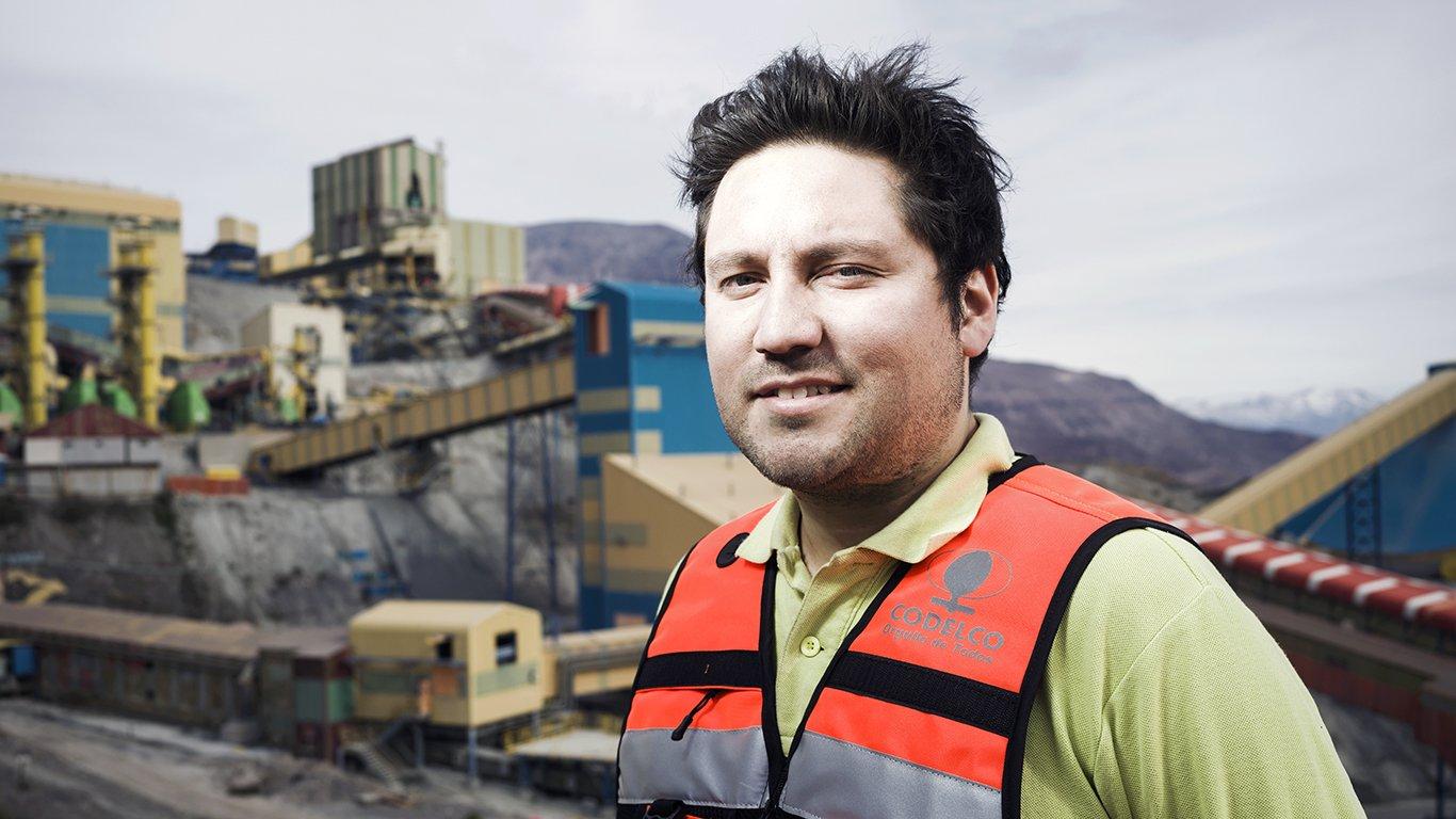 <p>Sebastián Sáez Araya, ingeniero de planeamiento en la mina El Teniente de Codelco.</p>