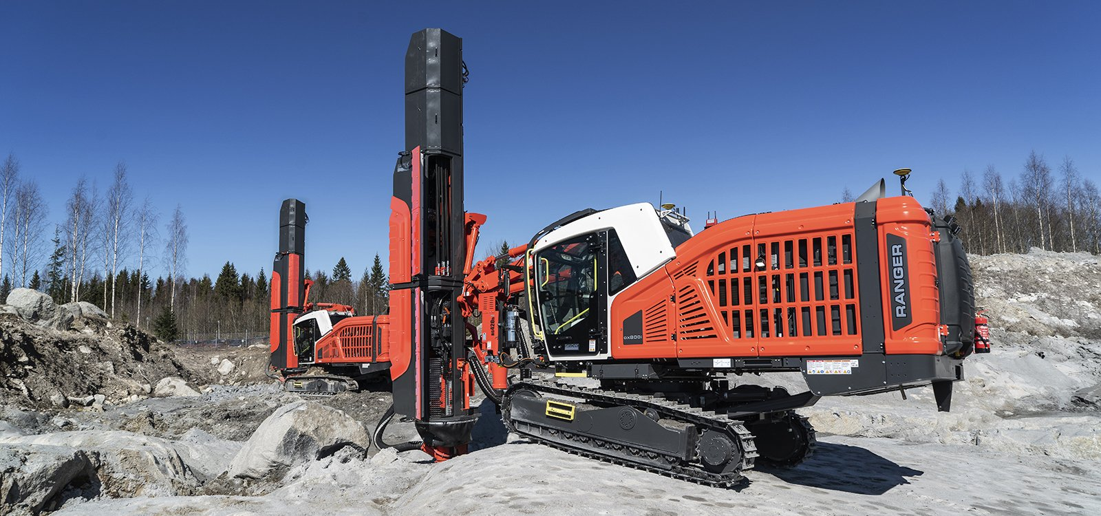 <p>It is difficult to reduce the noise of a surface drill rig  because of the design of the drill rod, which emits a significant amount of noise.</p>