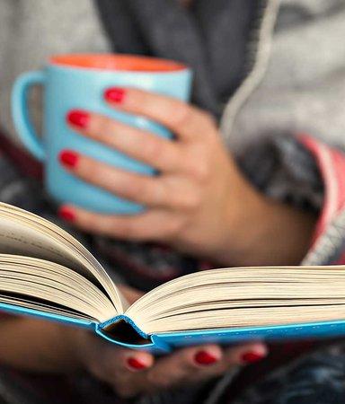 Less på januari? Här är 8 böcker att drömma dig bort med