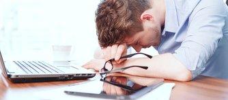 Störd sömn ökar stress och känslomässig reaktivitet.