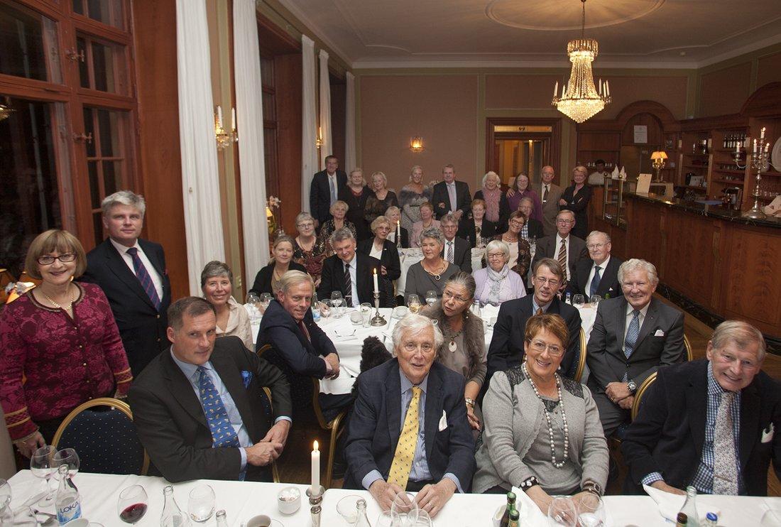 Homansällskapet med Jan Mårtenson i mitten