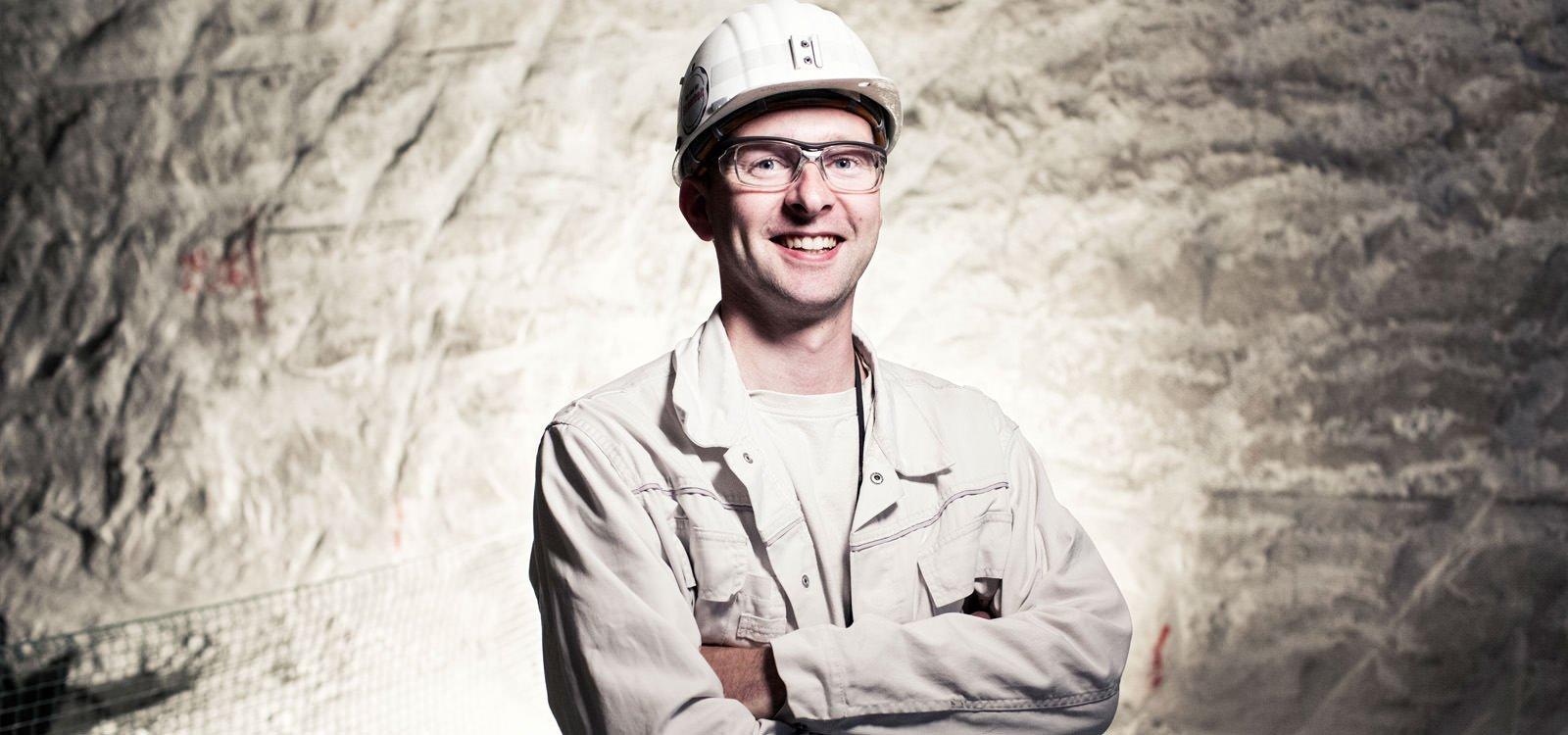 <p>过去两年间,Hans-Martin Müller一直在位于德国贝恩堡的esco盐矿负责地下生产工作。</p>