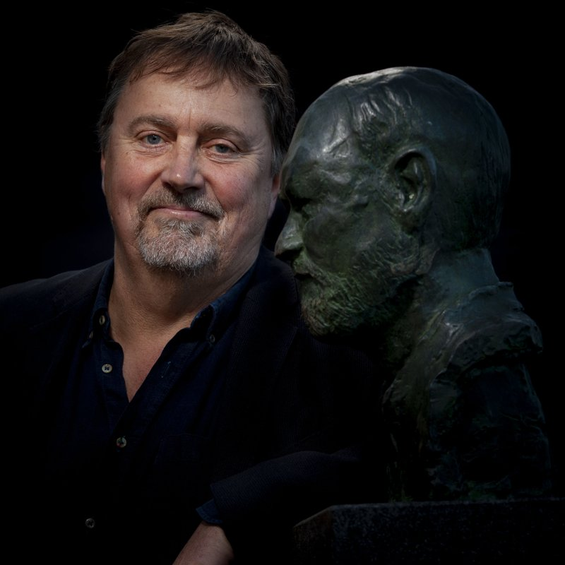"""Författaren om Olle Adolphson: """"Hans fest verkade aldrig vilja ta slut"""""""