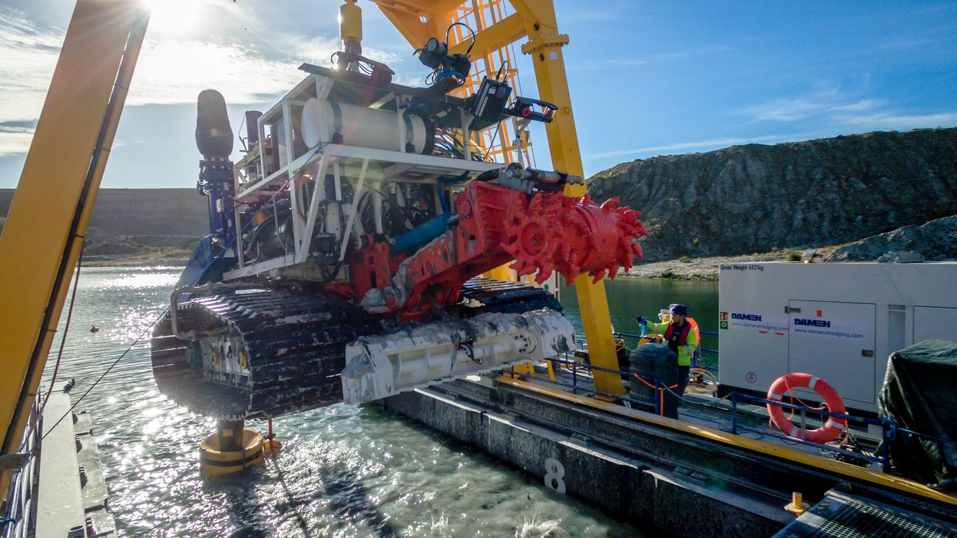 <p>The ¡VAMOS! mining system was successfully tested in a flooded kaolin mine at Lee Moor in Devon, UK in late 2017.</p>