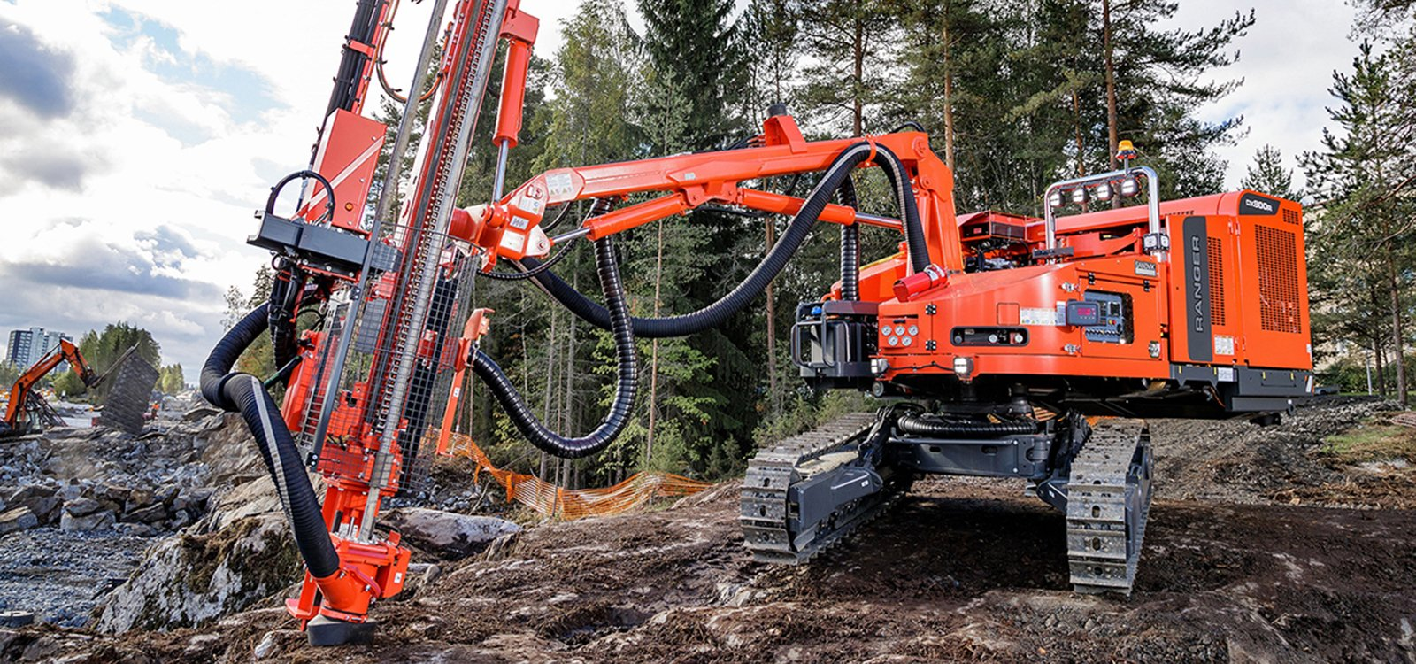 <p>The non-cabin Ranger DXR drill rigs flourish on unstable benches and deep cuts typical to applications such as road and railroad construction, foundation drilling, trenching and pipeline contracts.</p>