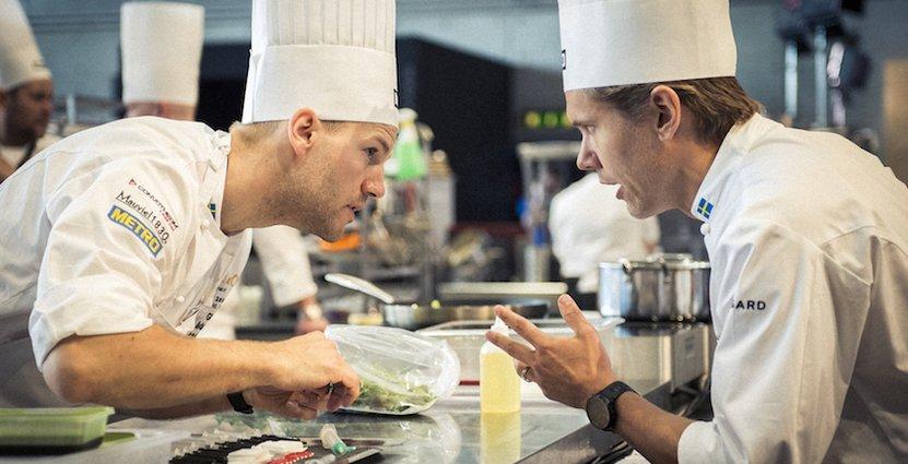 Sebastian Gibrand och Tommy Myllymäki tog silver i kock-EM. Nu tävlar paret i kock-VM, Bocuse d'Or, i Lyon. Ikväll vet vi hur det går. Foto: Viktor Fremling