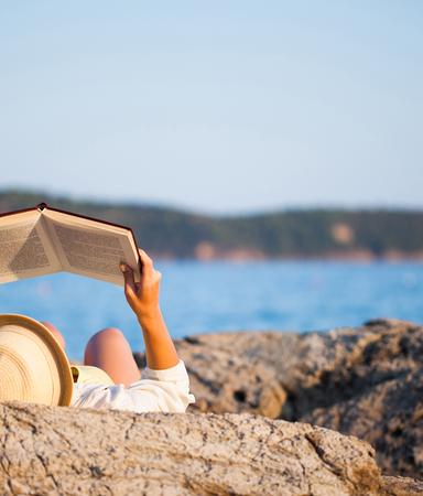 5 tips för att enklare läsa i solen