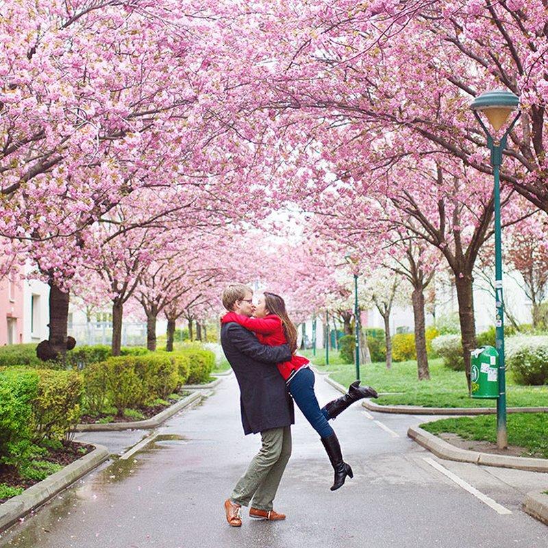 Bland kyssar och kärlek – här är vårens romance