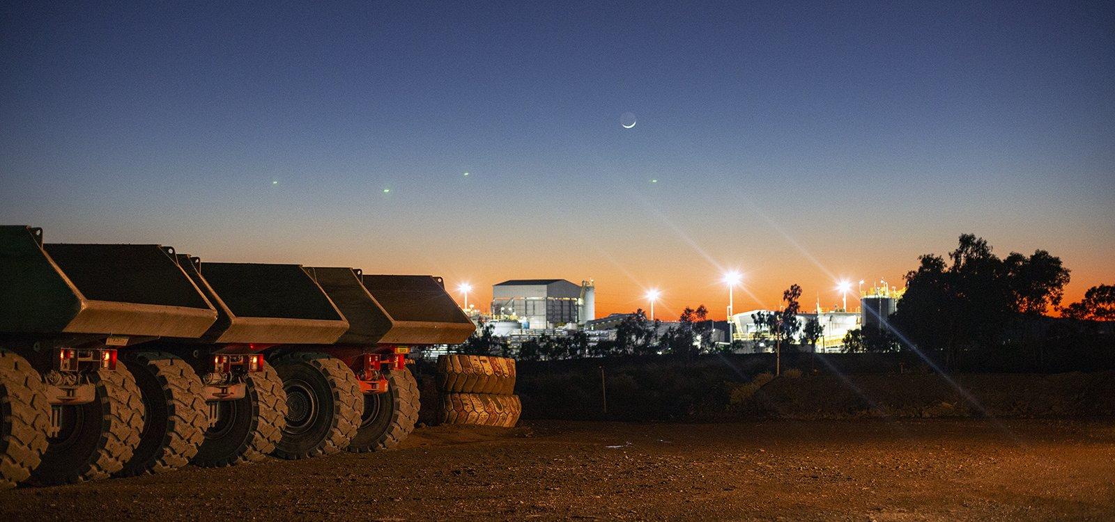 旭日初升的矿区。MMG旗下的杜加尔河矿是世界上已知最大规模的锌矿之一。
