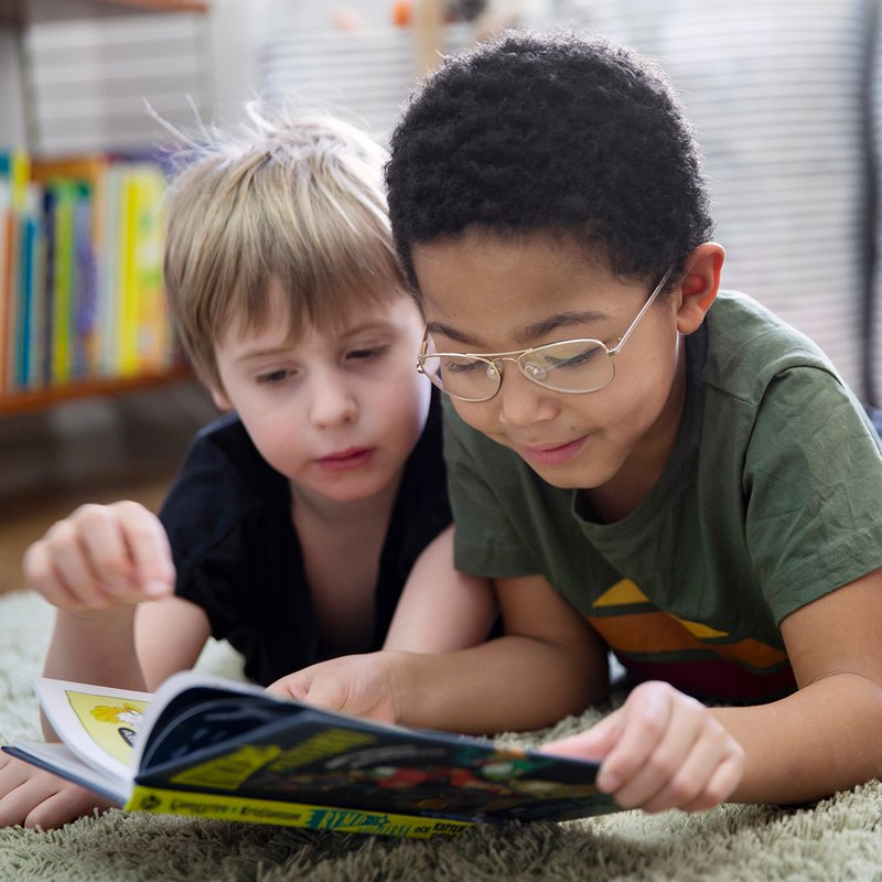 Nu finns svenska barnböcker - på arabiska