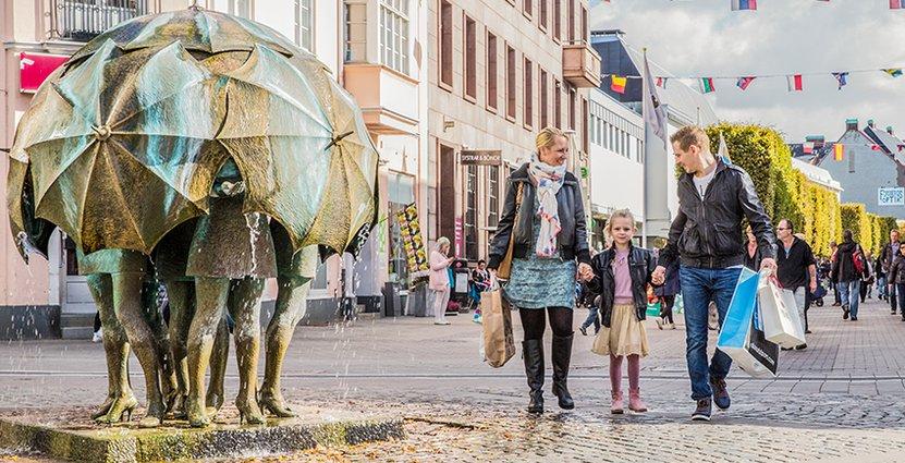 Sjöormenpå Stortorget iTrelleborg är ett populärt besöksmål. Nu ska antalet besökare till staden växa – målet är att öka turismomsättningen från 850 miljoner kronor till en miljard kronor.
