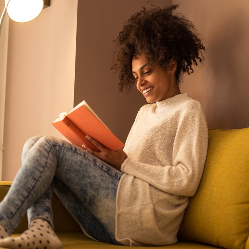 Oändlig läsning och lyssning – här är 27 bokserier att försvinna in i