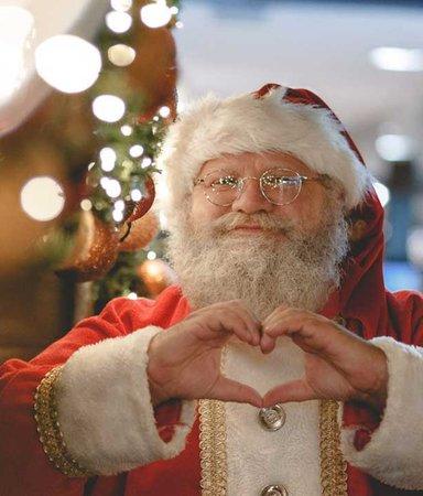 Slipp prestationsångest i jul: 8 inte helt perfekta bokjular