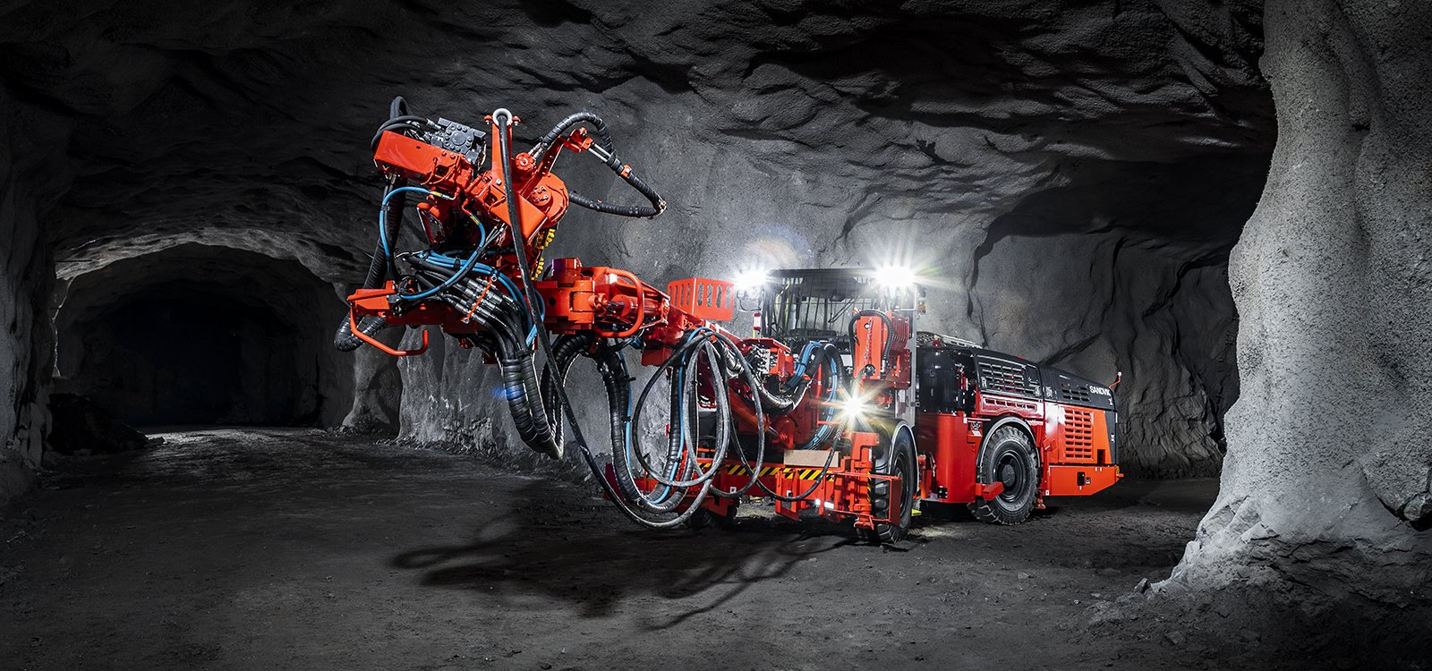 <p>Sandvik DS512i is equipped with a completely new carrier and ergonomic cabin, making it the ideal choice for mining bolting operations.</p>