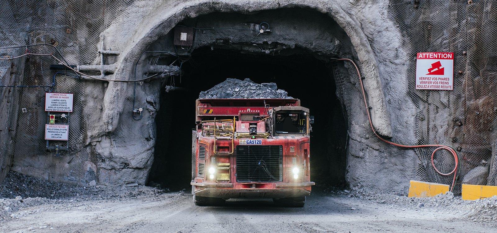 LZ5 expérimente le système AutoMine de Sandvik depuis2018. En trois ans, la production de la mine a augmenté de 10%.