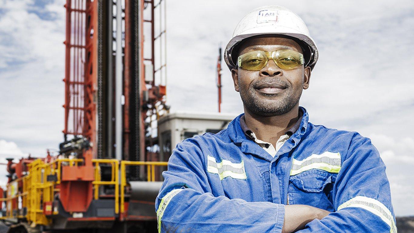 <p>Thulane Mlongeni, operador de perforadora en Mafube Coal.</p>