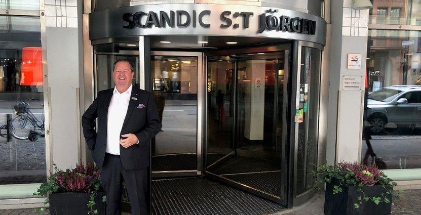 Göran Nilsson flyttar från norr till söder för sin nya tjänst som hotelldirektör på två av Scandics hotell i Malmö. Foto: Privat