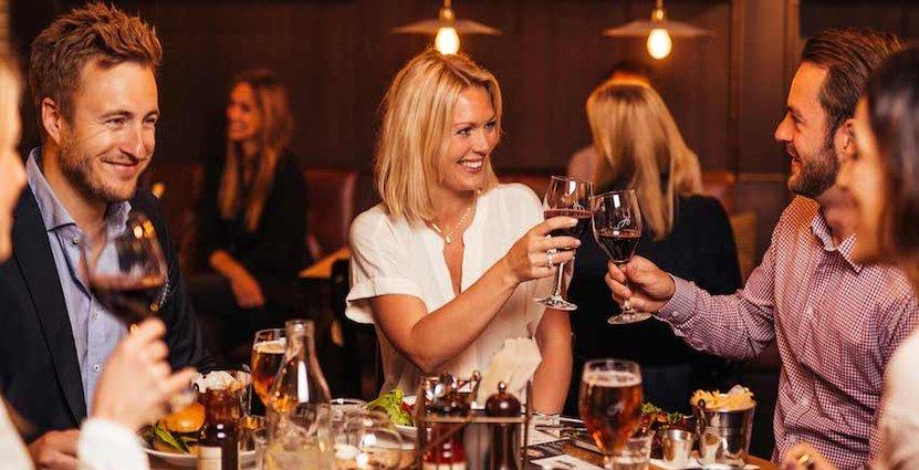 Bara inomhus i vinter. Harrys och några närliggande restauranger i Karlstad får nej på förlängt uteserveringstillstånd.