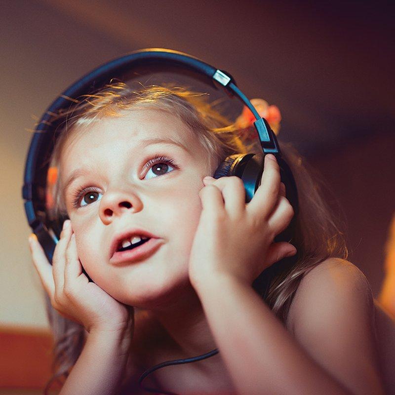 13 ljudböcker som fängslar dina barn