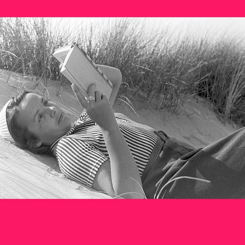 Redaktionens boktips: Det här läser och lyssnar vi på i juni