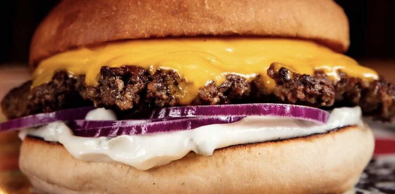 Bjuder Luleå på gratis lunch – Bastard Burgers fyller fem år