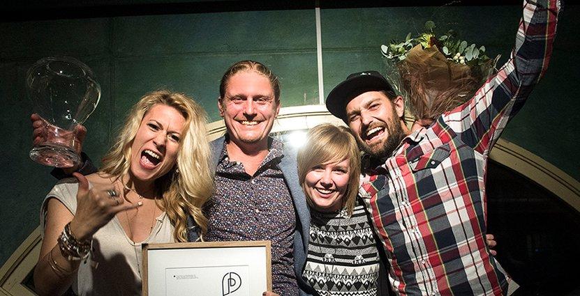 Årets platsmarknadsförare. Patricia Appelgren, Erik Ruth, Katarina Leo och Sebastian Larsson från arrangören Nordic Surfers.