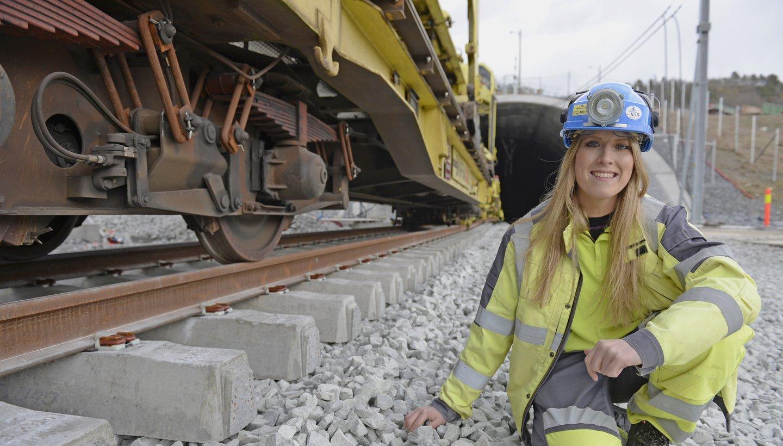 Hun ble håndplukket til jobb som leder for jernbaneteknikk