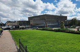 Alltfler hinder att besöka Sverige