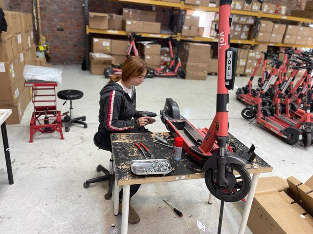 Liverpudlian micromobility mechanic takes girl power to a whole new level at Voi
