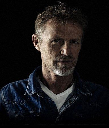 Rocksångaren som sadlade om – möt kriminalförfattaren Jo Nesbø