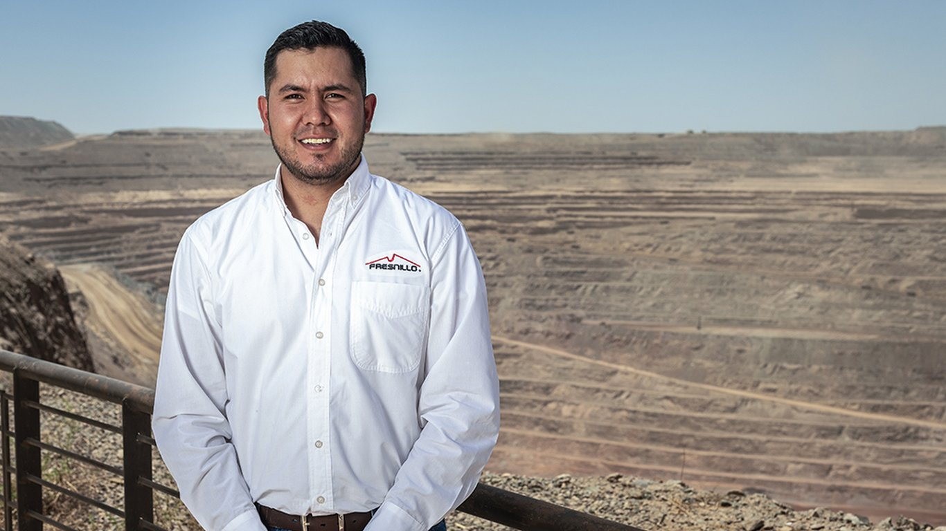 <p>Carlos Fabián González Meza is the engineer in charge of the final mine designs.</p>