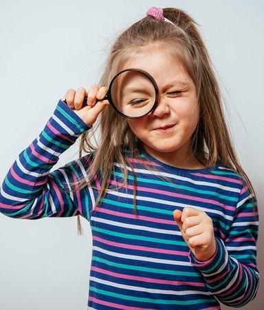 8 bladvändar-deckare för barn