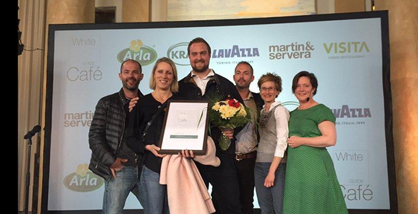 Galda vinnare. Från vänster till höger: Joakim Blomquist, Charlotta Söör, Ronny Latva, Niklas Blomquist, prisutdelare Mia Öhrn och Lena Ilkjaer.