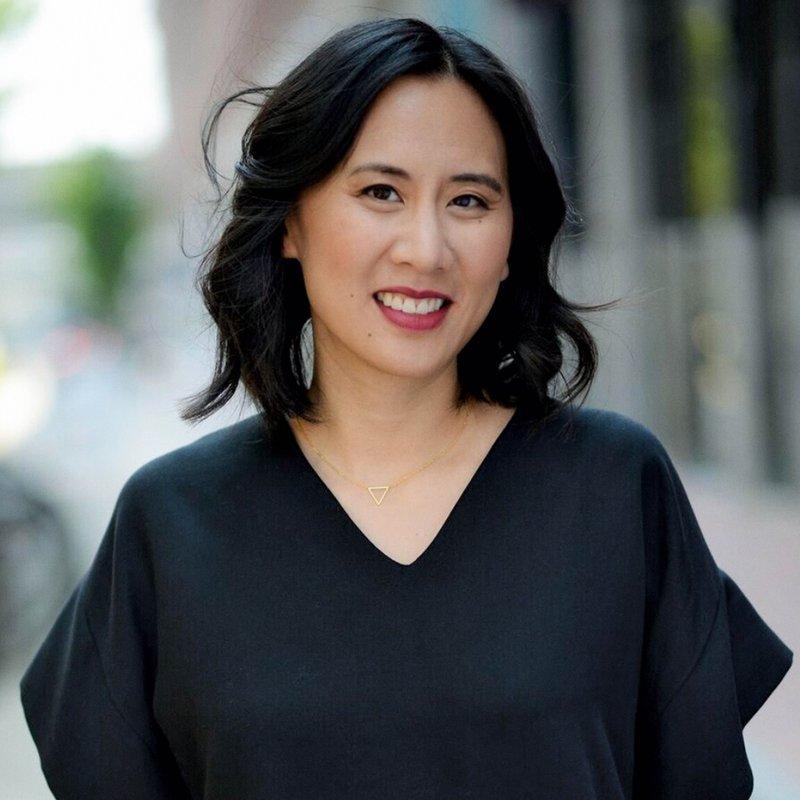 Hon har skrivit romanen Hollywood älskar