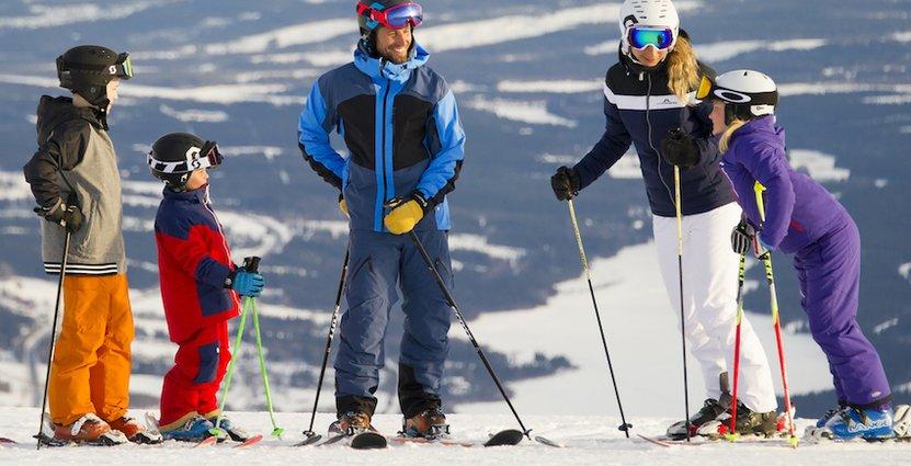 Sportlovet lockar dagligen 13 000–15 000 skidgäster till Åre.