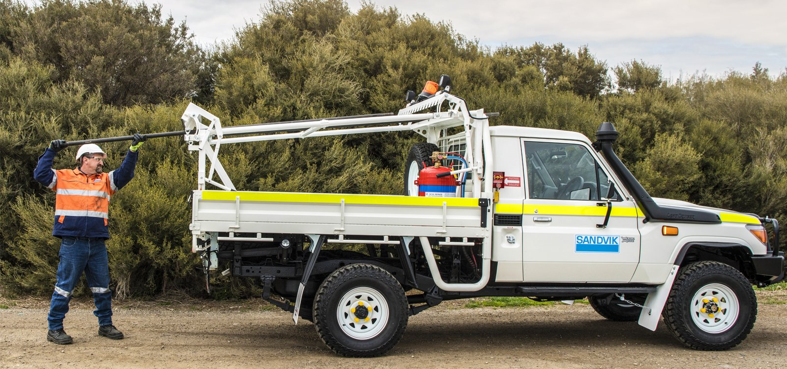 <p>The new design enables personnel to safely transport drill rods without their sliding around or falling off the vehicle.</p>