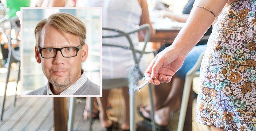 Rökförbudet på uteserveringar innebär ytterligare en regelbörda för en redan regeltyngd bransch, anser Stefan Lundin. Foto: Colourbox/Visita
