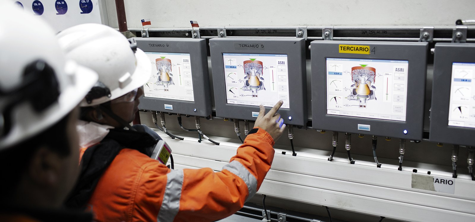 Un sistema de control ASRi de probada funcionalidad facilita el ajuste online durante la operación para asegurar un máximo rendimiento.