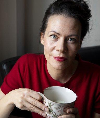 """Debutanten Marina Nilsson: """"Gör tekniken oss lyckligare eller bara frustrerade?"""""""