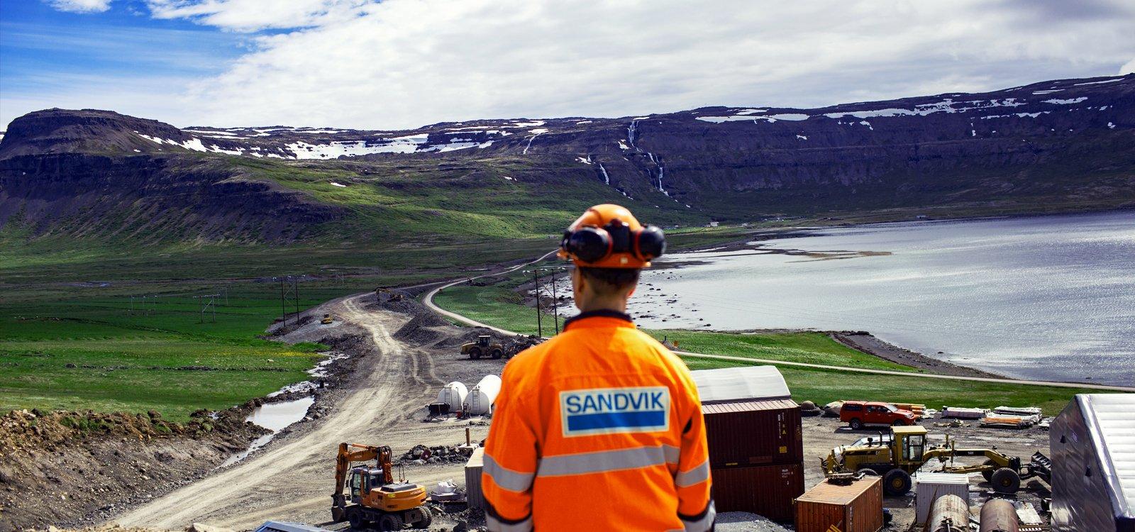 <p>El equipo de Metrostav unió fuerzas con Sandvik para cumplir la fecha programada de finalización del túnel en 2020.</p>