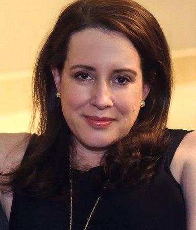 """Bridgerton-författaren: """"Alla älskar känslan av att bli förälskad"""""""