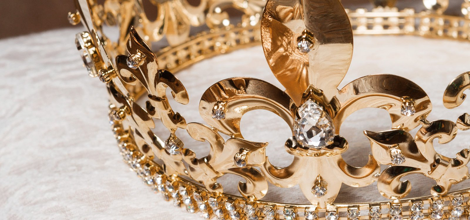 <p>The mine that has produced generations of gold for the British monarchy is reopening.</p>