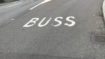 Busskörfält på Oscarsleden blir permanent