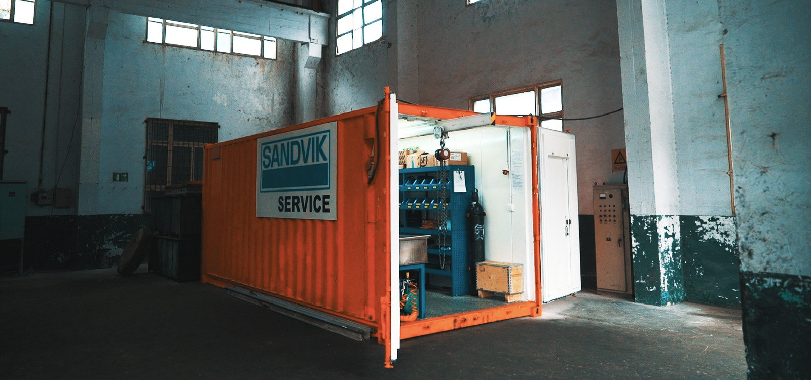<p>The container, supplied by Sandvik, contains maintenance equipment and a workstation.</p>