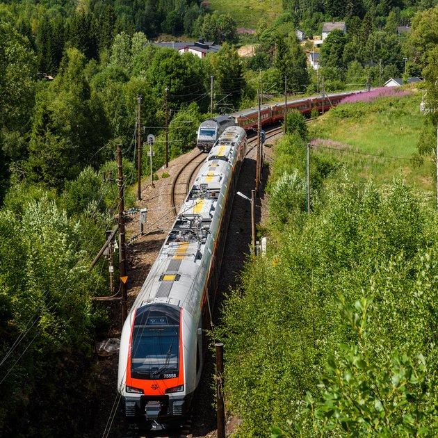 Derfor fikk Gjøvikbanen nøkkelrolle i sommer – igjen
