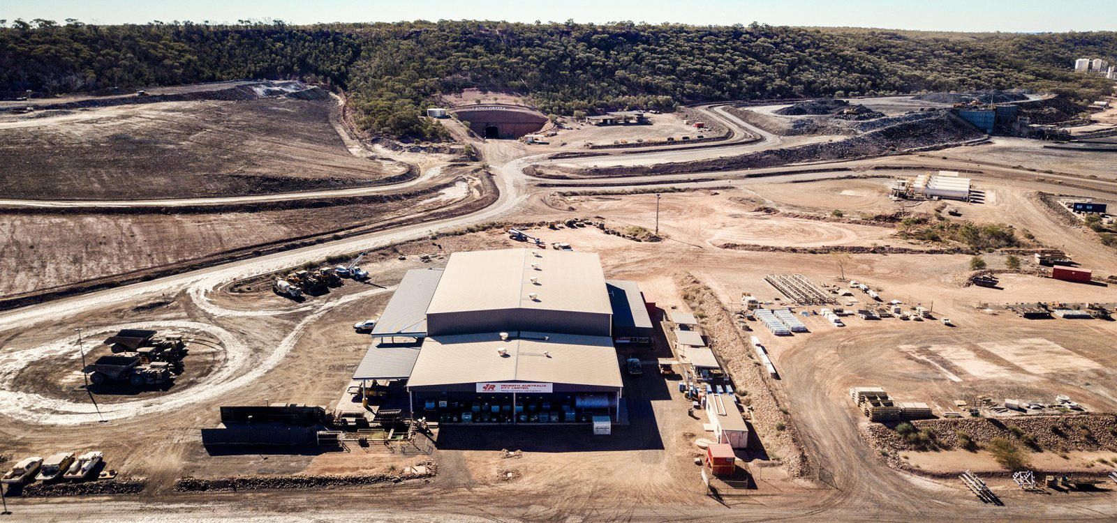 <p>Glencore awarded Redpath a life-of-mine contract for surface and underground operations for the Lady Loretta zinc mine in 2017.</p>