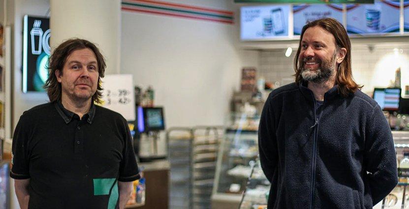 Glenn Lundkvist på 7-Eleven och krögaren Niklas Ekstedt i nytt samarbete. Foto: 7-Eleven