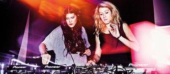 Ylva Lundberg och Malin Evrenos vill inte behöva välja mellan DJ:ande och ett jobb inom ekonomi och marknadsföring.