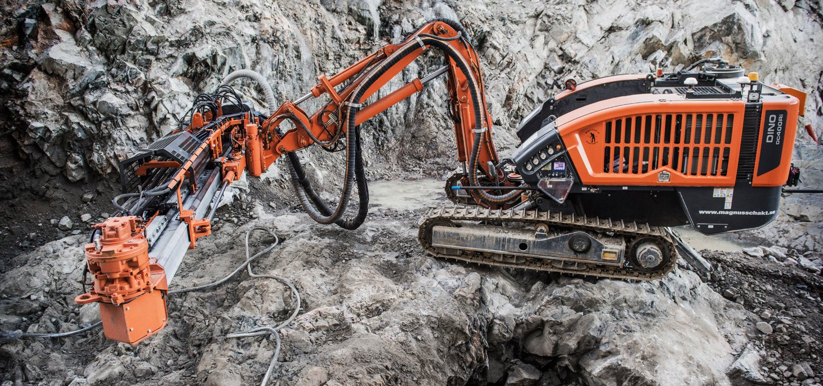 <p>Dino DC400Ri with hydraulic rollover proved a good choice for the Slussen project.</p>