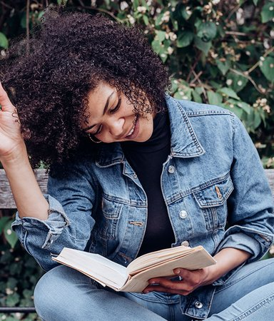 Bland orättvisor och stängda rum – här är 5 böcker till ögonöppnare